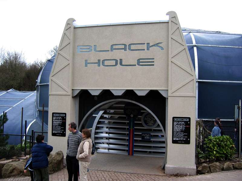 Rudi_Enos_Design_Alton_Towers_Black_Hole_007.jpg
