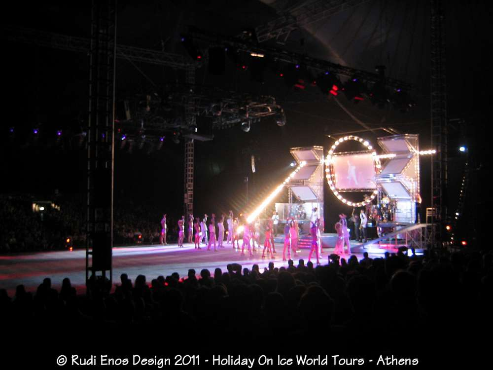 12_Rudi_Enos_Design_Worlds_Largest_Holiday_On_Ice_05.jpg